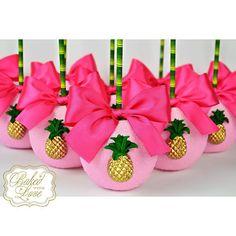 Chocolate covered apples for Eden's Luau themed birthday! Watermelon Birthday Parties, Birthday Candy, Luau Birthday, Luau Party, Hawaiian Baby Showers, Luau Baby Showers, Baby Girl Shower Themes, Girl Themes, Flamingo Birthday