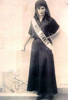 12-11-11  Keriman Halis Ece, Miss Universe 1932 (Turkey)