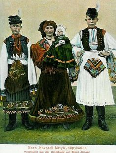World of Ethno Traditional Fashion, Traditional Outfits, Vintage Photographs, Vintage Images, Costumes Around The World, Man Skirt, Hungarian Embroidery, Austro Hungarian, Folk Costume