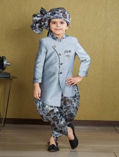 Shop online 1 to 16 year boys Indowestern Sherwani @ best prices. Buy Kids Indo western and Sherwani collection 2020 online or via video call for wedding, party & reception wear. Kids Indian Wear, Kids Ethnic Wear, Boys Kurta Design, Kids Frocks Design, Mom And Son Outfits, Baby Boy Outfits, Wedding Dress For Boys, Boys Party Wear, Baby Frock Pattern