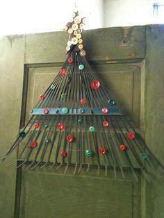 A neat way to use an old rake