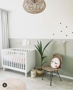 Sweet and simple baby nursery. The gender neutral, clean and modern feel is love Sweet and simple baby nursery. The gender neutral, clean and modern feel is love. - - Sweet and simple baby nurse Baby Room Boy, Baby Bedroom, Baby Room Decor, Nursery Room, Girl Nursery, Kids Bedroom, Nursery Decor, Kids Rooms, Baby Room Green