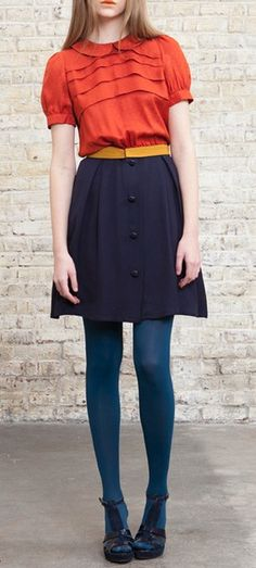 How To Wear Belts Orange blouse with Peter Pan collar slipped into a high waist skirt button front - Discover how to make the belt the ideal complement to enhance your figure. Vintage Stil, Look Vintage, Look Fashion, Winter Fashion, Womens Fashion, Blue Fashion, How To Wear Belts, Estilo Hipster, Looks Teen