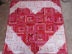 Zany Quilter ~Valentine heart / log cabin quilt (LOVE LOVE this one! Heart Quilt Pattern, Quilt Patterns, Block Patterns, Quilting Projects, Quilting Designs, Quilting Ideas, Log Cabin Quilts, Log Cabins, Rustic Cabins