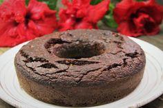 Bolo de chocolate sem farinha feito no liquidificador com lentilha, chia, coco…