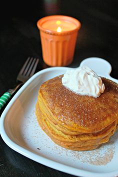 Pumpkin pancakes, the perfect fall breakfast! Click through for recipe! This is for my oldest daughter pumpkin everything for her! What's For Breakfast, Breakfast Dishes, Breakfast Recipes, Dessert Recipes, Pumpkin Recipes, Fall Recipes, Holiday Recipes, Yummy Recipes, Delicious Desserts