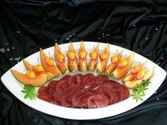 Kalte Platten Vegetable Snacks, Veggie Tray, Appetizer Buffet, Appetizer Recipes, Appetizers For Party, Party Snacks, Dog Recipes, Healthy Recipes, Steak Tartare