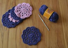 ** My favorite coasters to make! -K Crochet coaster free pattern - a vintage coaster, the original pattern link has been broken on several websites, but I found a photo tutorial for making them. Crochet Home, Love Crochet, Crochet Crafts, Yarn Crafts, Crochet Projects, Crochet Summer, Crochet Coaster Pattern, Crochet Motif, Crochet Doilies