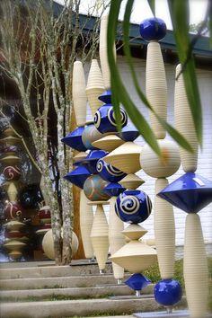 Paula Unger by Andre Senna on - Garden ceramic - # . Paula Unger by Andre Senna on – Garden ceramic – # Totem Pole Art, Le Totem, Pottery Designs, Pottery Art, Porcelain Ceramics, Ceramic Art, China Porcelain, Atelier D Art, Garden Totems