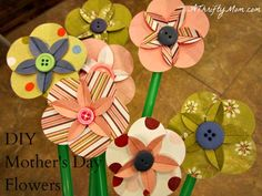 """These are just the cutest, easiest paper flowers to make.  Not really a """"home decor"""" craft, but that's what I'm going to use them for."""