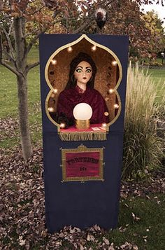 Fortune Teller Booth - Impress your guests with this wonderful fortune teller booth. Learn how to transform empty boxes, a balloon and a collection of tarot cards into something they will never forget! Get the DIY