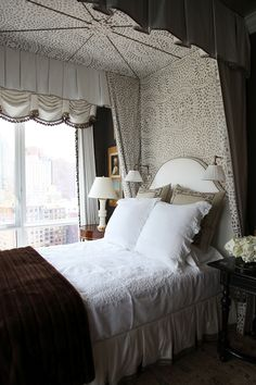 Savvy Home: Beauty in the Details: Cozying Up the Bedroom