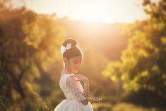 fotos de comunion niña - Google Bilaketa Girls Dresses, Flower Girl Dresses, Couple Photos, Couples, Wedding Dresses, Flowers, Google, Fashion, Couple Pics