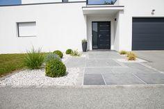 focus-dallage-entree-moderne-terrasse-et-patio-nantes-par-allee-de-garage-moderne.jpg (640×426)