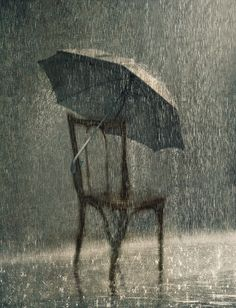 Dancing in the rain art rainy days 25 ideas for 2019 Walking In The Rain, Singing In The Rain, Arte Black, I Love Rain, Rain Days, Sound Of Rain, Rain Photography, Rain Storm, Rain Umbrella