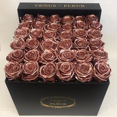Rose Gold Eternity® Roses In Black Large Square Box - Buy Yours Today Black Classic Black And Gold Aesthetic, Pink Aesthetic, Luxury Flowers, Gold Flowers, Rose Gold Wallpaper, Flower Wallpaper, Wallpaper Backgrounds, Gold Everything, Box Roses