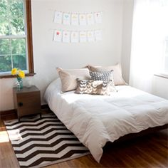 This small space is home to two designers (Jen Adrion and Omar Noory). (via apartmenttherapy)
