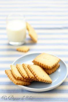 Un dejeuner de soleil: Sablés à la vanille et à la fleur de sel