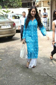 Jahnvi Kapoor in skyblue colour kurti. Kurta Designs, Blouse Designs, Designer Salwar Kameez, Indian Attire, Indian Wear, Indian Dresses, Indian Outfits, Indian Designer Suits, College Outfits