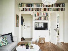 Bild via We Heart It #book #bookcase #cosy #home #livingroom #read #tv