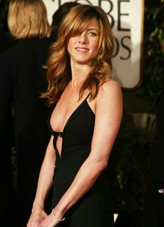 221 Sexy Jennifer Aniston Pictures - Photo 28 of 203