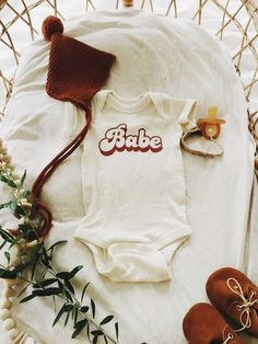 Babe Retro Baby Bee Newborn Baby Bodysuit Little Brother Sister Baby Announcement Pregnancy Announcement Sibling Announcement Gender Reveal Baby Shower Gift Retro Baby, Baby Outfits, Sailor Outfits, Cute Babies, Baby Kids, Cute Baby Clothes, Gender Neutral Baby Clothes, Hippie Baby Clothes, Kind Mode