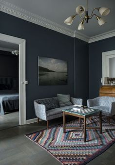Scandinavian apartment with dark painted walls, vintage furniture and great decor Scandinavian Apartment, Cozy Apartment, Scandinavian Interior, Copenhagen Apartment, Dark Painted Walls, Interior Styling, Interior Design, Gravity Home, Luxury Dining Room