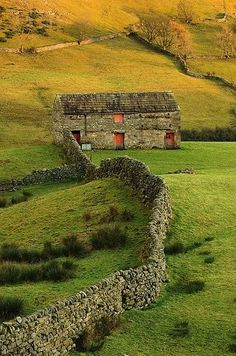 Swaledale Barns, Yorkshire, UK