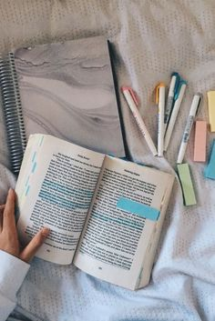 Der ultimative Neuling-Leitfaden - # You are in the right place about studying motivation emma watso Studyblr, Book Annotation, Study Organization, School Study Tips, School Tips, Work Motivation, Study Hard, School Notes, Study Notes