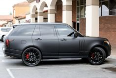 matte black Range Rover - What to drive - Cars Range Rover 2014, Range Rover Car, Range Rovers, Bmw I8, Best Luxury Cars, Luxury Suv, Toyota Prius, Matte Black Range Rover, Kylie Jenner