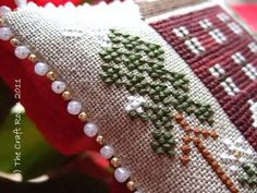 2 size/color beaded edge - no tutorial but I love this idea!