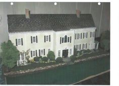 Quarter Scale fron of 16 room mansion, all handmade Diy Dollhouse, Dollhouse Furniture, Dollhouse Miniatures, Miniature Houses, Miniature Dolls, Colonial Mansion, Doll House Plans, Fairy Houses, Planer