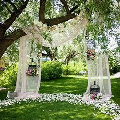 wedding ideas outdoor / wedding ideas & wedding ideas on a budget & wedding ideas country & wedding ideas elegant & wedding ideas fall & wedding ideas outdoor & wedding ideas summer & wedding ideas romantic Outdoor Wedding Decorations, Wedding Themes, Backdrop Wedding, Garden Party Decorations, Wedding Favors, Outdoor Rustic Wedding Ideas, Diy Wedding Arch Flowers, Cheap Wedding Ideas, Sunflower Wedding Centerpieces