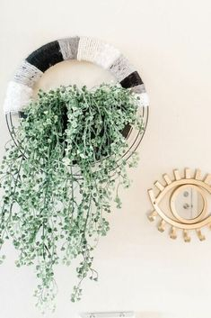 Get excited about your living room again with this easy boho wall decor idea you can make on a budget. This quick boho faux planter idea for your wall is perfect to decorate any space or bedroom in boho style. Faux Wood Wall, Faux Brick Walls, Boho Diy, Boho Decor, Galvanized Wall Planter, Diy Wax Melts, Wood Cornice, Sola Wood Flowers, Wire Wreath