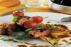 Receta de Banderillas de mejillones y bacón en http://www.recetasbuenas.com/banderillas-de-mejillones-y-bacon/  Aprende a preparar unas banderillas de mejillones y bacón de forma rápida. Un primer plato lleno de proteínas y de un sabor excelente con el que triunfar. #recetas #Primeros