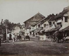 Straat in de Chinese wijk Glodok te Batavia...