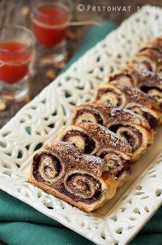Strudel with Walnuts s kvascem Mini Desserts, Sweet Desserts, Christmas Desserts, Just Desserts, Sweet Recipes, Strudel, Baking Recipes, Cake Recipes, Albanian Recipes