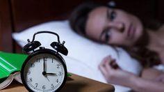Das Schüßler-Salz Nr. 25 Aurum chloratum natronatum spielt nach der Heilkunde des Dr. Schüßler eine große Rolle bei sämtlichen Körperrhythmen wie Wach-Schlaf-Rhythmus oder weiblicher Zyklus. Es wird daher unter anderem bei Schlafstörungen und Menstruationsbeschwerden verabreicht, meist in der zwölften Potenz als Aurum chloratum natronatum D12.