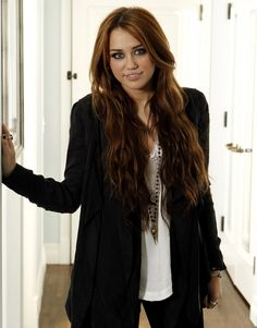 I miss the old miley cyrus she was soo beautiful, pretty, and just can we just embrace her old hair! I really hope she grows out her hair and have that gorgeous light brown with blonde highlights it was so long. I seriously cried when I saw all her hair was shaved up. Don't get me wrong, she is still beyond gorgeous but just ah. I miss the hair