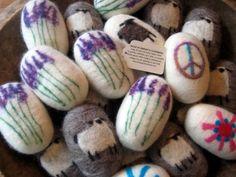 Posts about sheep garland written by Sheepy Hollow Farm Felted Soap, Felting, Fabric Yarn, Crafty Projects, Yarn Crafts, Washing Clothes, Wool Felt, Easter Eggs, Sheep