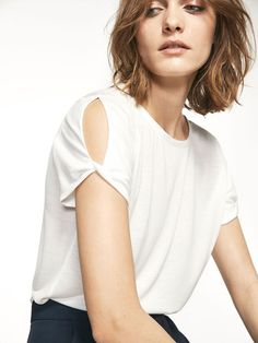 The Spring/Summer 2020 Massimo Dutti clothing, accessories and shoe collection for women, men or kids; Kurti Sleeves Design, Sleeves Designs For Dresses, Dress Neck Designs, Dresses With Sleeves, Cotton Dresses Online, Tango Dress, Sari Blouse Designs, Linen Shirt Dress, Elegant Dresses For Women