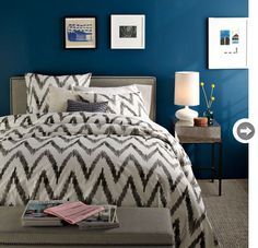 Organic Chevron Duvet Cover and Shams love the dark blue walls Cama Chevron, Chevron Bedding, Chevron Duvet Covers, Gray Bedding, Gray Chevron, Grey Duvet, Neutral Bedding, Orange Chevron, Blue Duvet