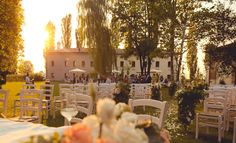 The Tenuto Polvaro Estate Winery is an event venue in Eastern Veneto, Italy with a temperate year-round climate making it a perfect for your event. Italian Wedding Traditions, Italian Lifestyle, Event Venues, Wedding Season, Wines, Italy, Seasons, Table Decorations, Traditional