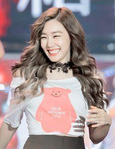 Sooyoung, Yoona, Tiffany Girls, Snsd Tiffany, Tiffany Hwang, Girls' Generation Tiffany, Girls Generation, Ulzzang Fashion, Korean Fashion