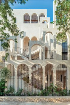 Terreo Studio Develops a Classical Yet Contemporary Residential Complex in Tulum, Mexico - Interior Design Classical Architecture, Beautiful Architecture, Tulum, Stucco Mix, Studio House, Residential Complex, Mexican Designs, Amazing Buildings, Modern Luxury