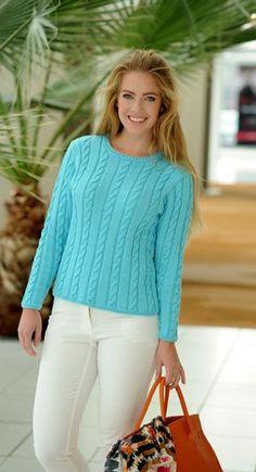 Strikkeopskrift på en flot bluse med slankende snoninger. Blusen er strikket i en frisk turkis farve, som klæder en dejlig sommerkulør. Perfekt til en sommeraften når solen er ved at gå ned.