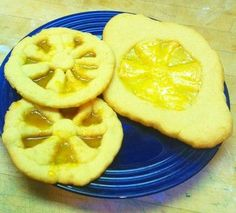 candy sukkahs | Etrog suncatcher cookies are tasty and fun to make.