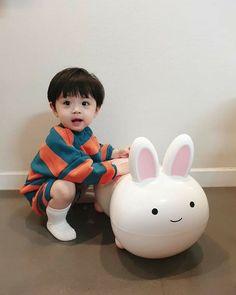 Cute Baby Boy, Cute Little Baby, Little Babies, Cute Boys, Baby Kids, Cute Asian Babies, Korean Babies, Asian Kids, Cute Babies