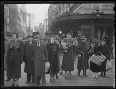 Shoppers on Washington St. and Summer St, Courtesy of the Boston Public Library, Leslie Jones Collection.