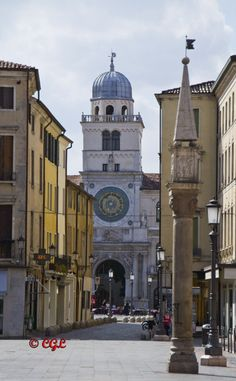 l'Orologio visto dalla Piazze della Frutta, Padova, Italy